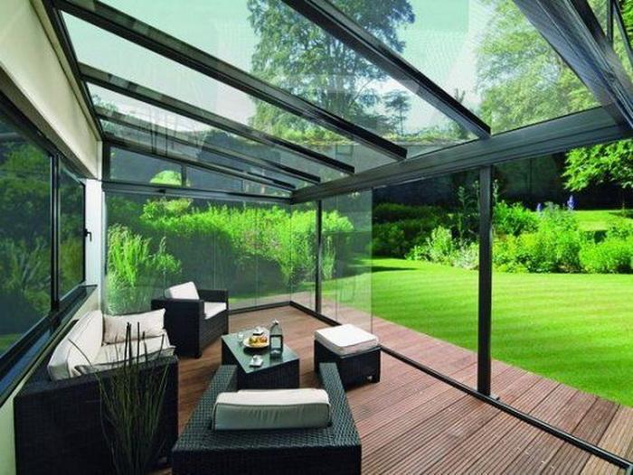 Một thiết kế mái kính sân vườn đặc trưng cho không gian nhà ở