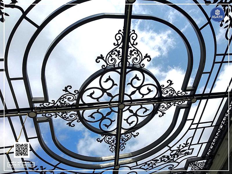 Kính cường lực cho mái giếng trời có công thức và độ dày kính riêng biệ